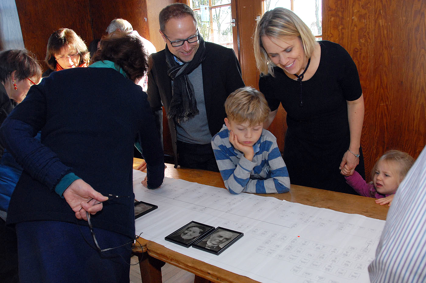 Den Ururururururur-Großvater auf der Spur: Jan Bräuninger (10, Biberach) findet Gottlob Bräuninger, den Pächter vom Einsiedel.